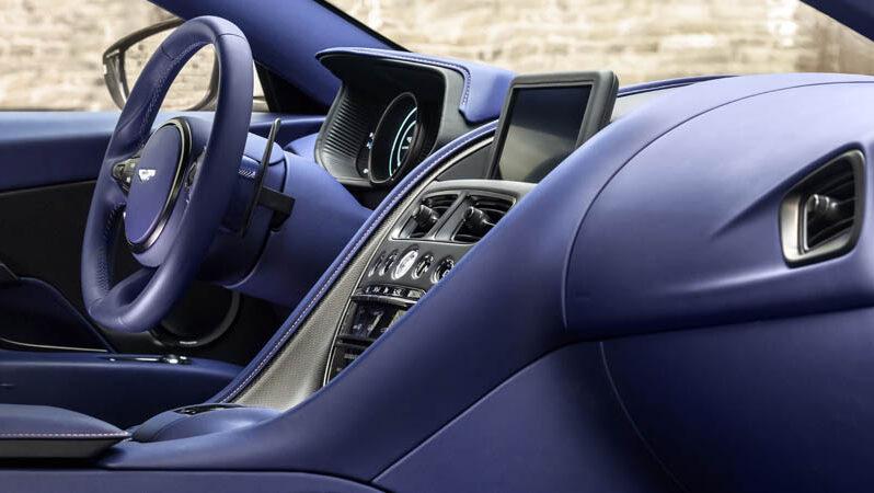 Aston Martin DB11 full