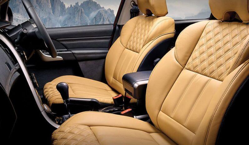 front-seats-passenger-view-88-798x466